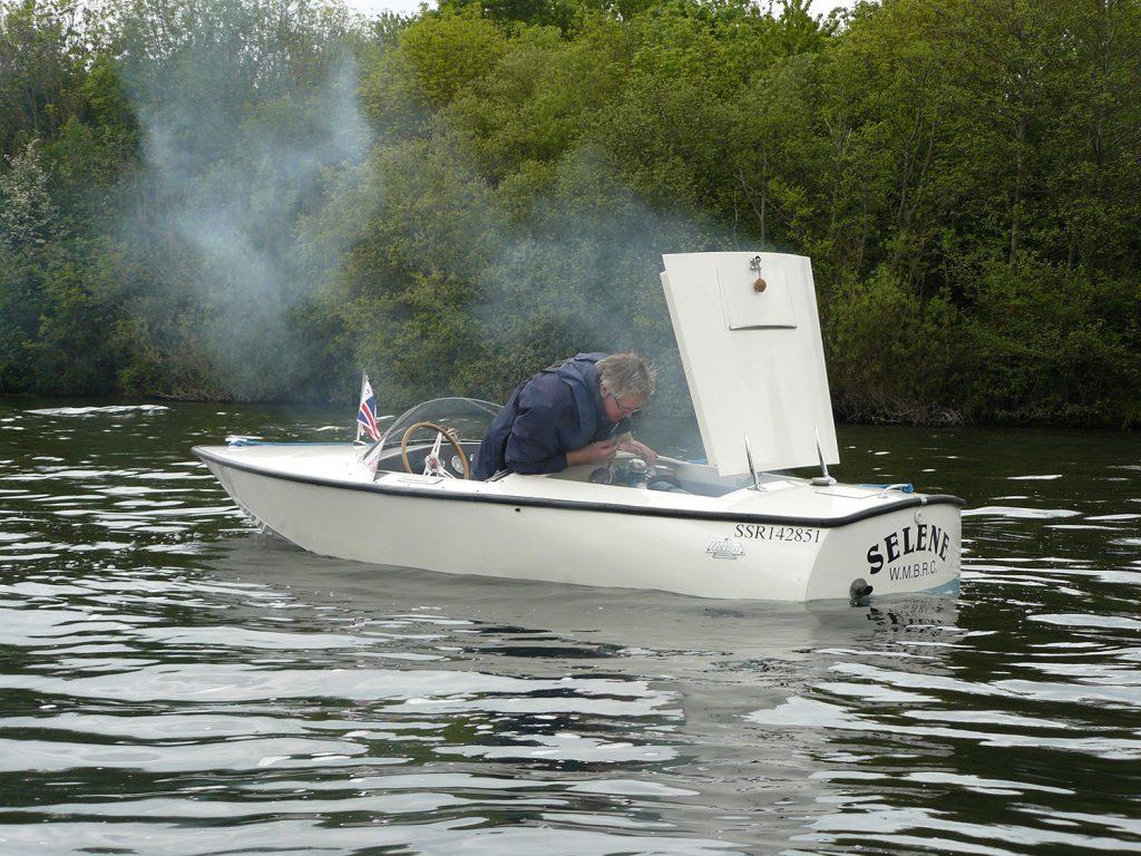Delta boat chertsey classic speedboat meeting
