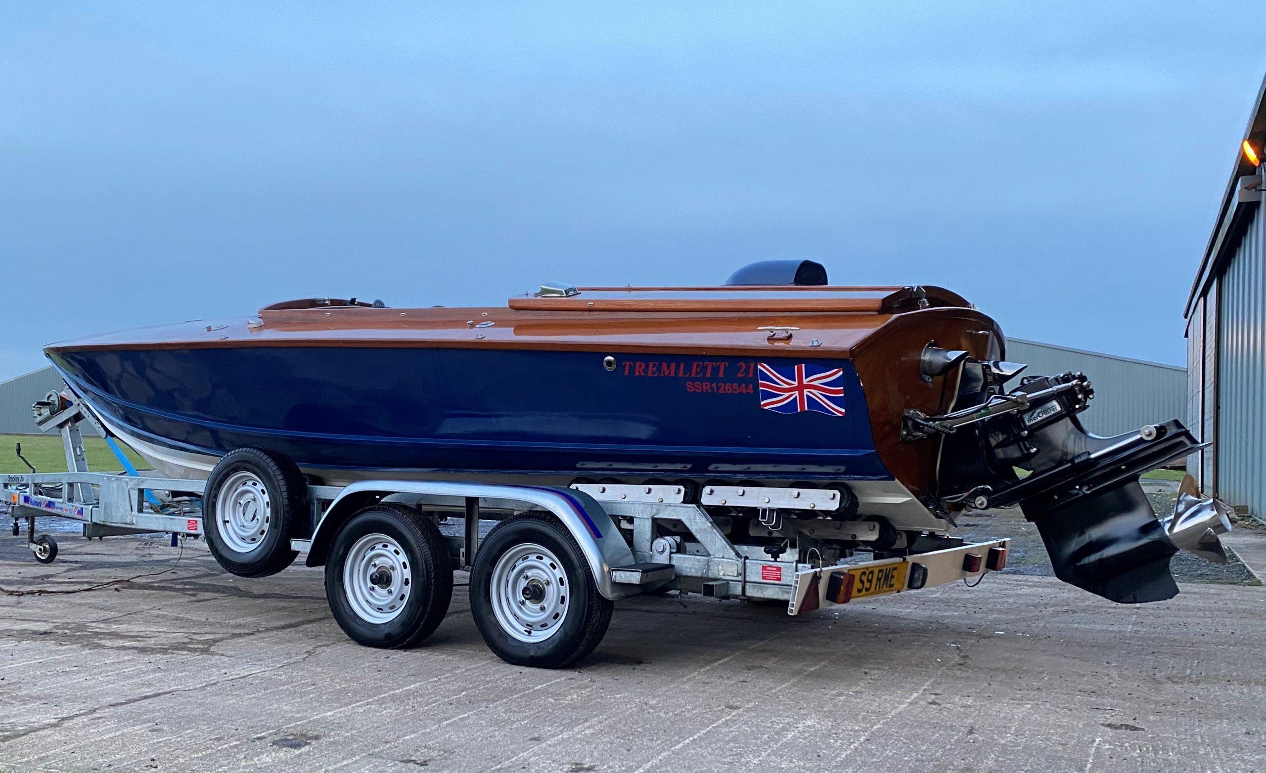 'Smokey Jo' Tremlett Sportsman 21 wooden boat